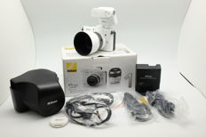 EXC++ OVP Nikon 1 V1 + flash SB-N7 + leather case + box/Documents WHITE