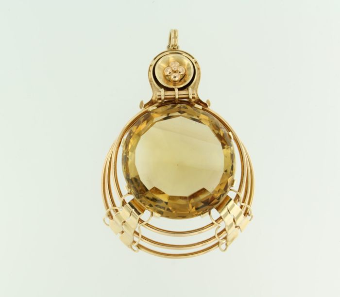 14 kt yellow gold pendant set with a brilliant cut citrine of 150.00 ct