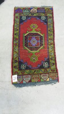 Hand knotted Turkish rug 50 cm x 100 cm