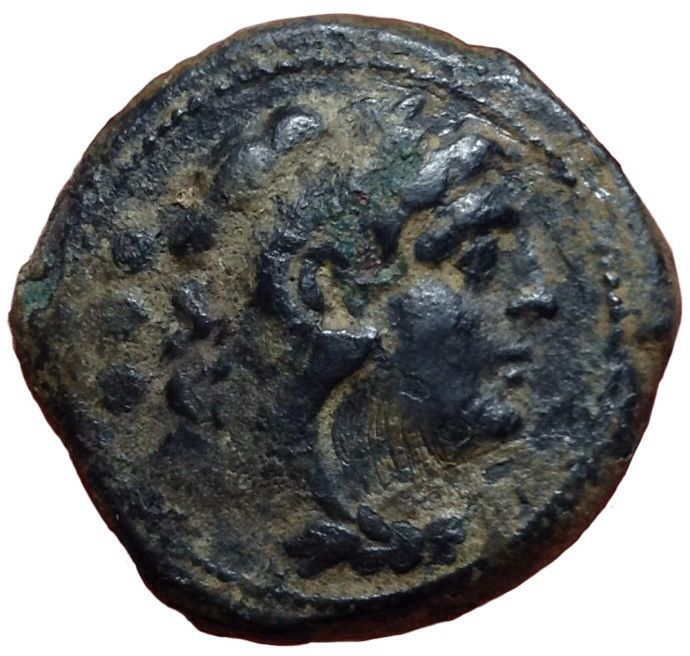 Roman Republic - Anonymous Issue after 211 BC - Æ Quadrans (23mm, 8,65g.), Rome mint - Head of Hercules / Prow - Cr. 56/5; BMCRR Roma 255