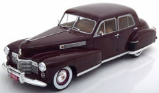 Modelcar Group - Scale 1/18 -  1941 Cadillac Fleetwood Serie 60 Special Sedan Dark Red