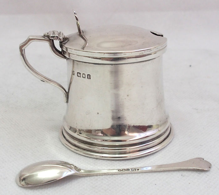 Antique Sterling Silver Mustard Pot & Silver Spoon By Robert Pringle & Sons c. 1890 - 1910