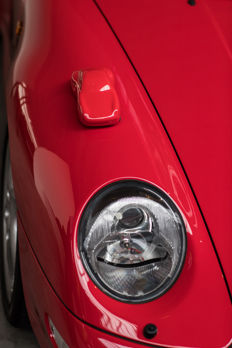 Design  from  STÉPHANE Dufour – Porsche 993 in beautiful high gloss Red!
