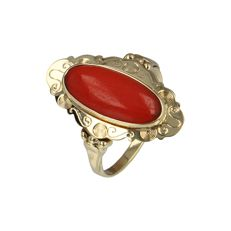 14 kt - Yellow gold ring set with an oval cabochon cut red coral - Ring size: