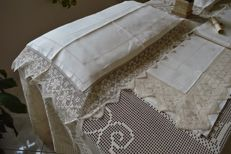 A real beauty! Double sheet with handmade filet and needlework embroidery, 100% pure linen