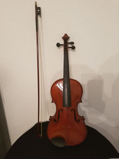 Very nice vintage 4/4 violin from around 1880-1900, Germany, with wooden box