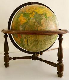Beautiful Scan globe, table globe, 1970