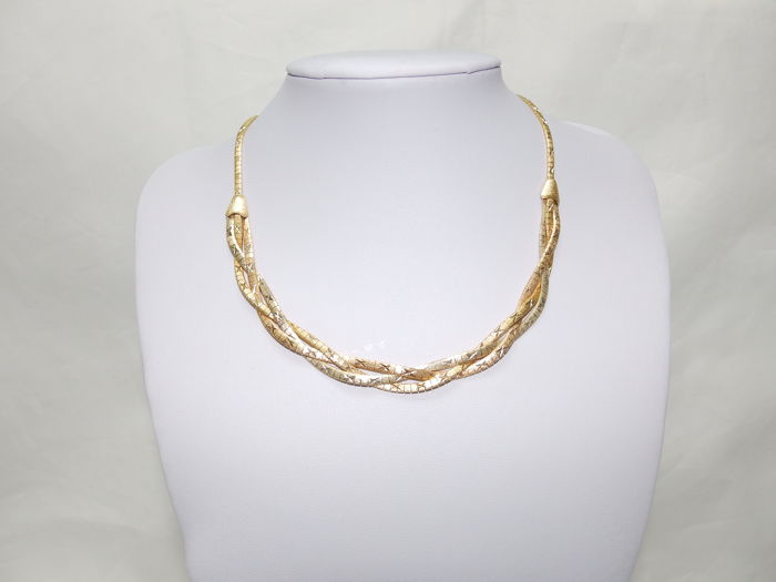 Braided necklace made from tricolour gold