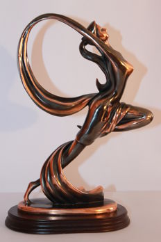 Woman dance in bronze - Second half of the 20th century
