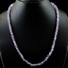 Amethyst necklace 1 Strand with 18 kt (750/1000) gold clasp, length 50cm