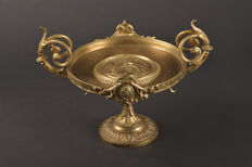 "Charles Perron (1862-1934) Bronze tazza / dish with puttis, name ""accord"""