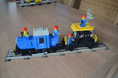 Train - 7760 + 7821 - Diesel Shunter Locomotive Train: 12V + Overhead Gantry and Lighting Maintenance Wagon