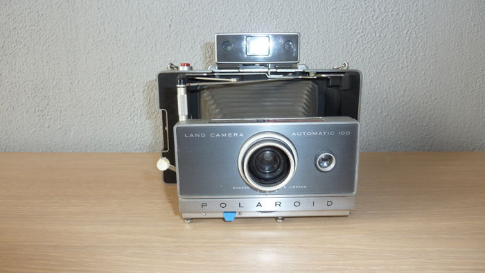 Polaroid land camera automatic 100 1963 - 1966.