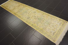 Magnificent hand-knotted silk carpet, Kashmir silk carpet, Ghom, natural silk, 80 x 330 cm, made in Kashmir, professionally cleaned