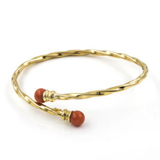 18 kt yellow gold - Bracelet - Pacific coral of 6.35 mm - Bracelet diameter: 45.15 mm