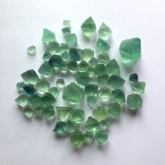 Lot of Natural beautiful Fluorite Crystal Octahedrons - 100 gr (59)