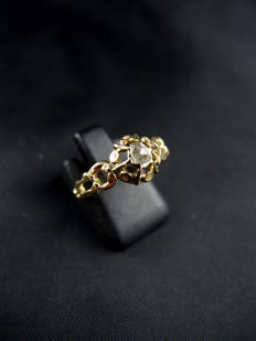 Antique engagement Solitaire/Ring known as 'promise' in gold, set with a diamond - early 19th century