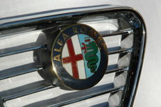 Alfa Romeo center GRILL