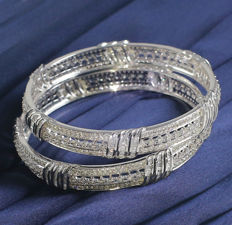 IGI certified Very Exclusive White Gold Pair Diamond Bangle with 10.25 ct.