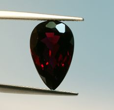 Almandine Garnet,  purple -red - 8.61ct