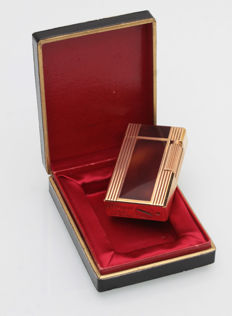 S.T. Dupont gas lighter , red & brown Chinese lacquer and gold plated - 1960's