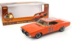The Dukes of Hazard - Auto World - Scale 1/18 - Dodge Charger General Lee 1969