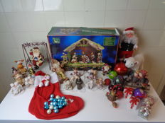Large lot with vintage Christmas decorations