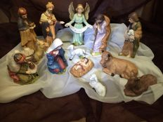 Porcelain - 13-piece Christmas Nativity - China