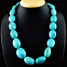 Turquoise necklace with 18 kt (750/1000) gold clasp, length 52cm