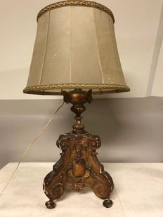 Table lamp with a wooden base in Baroque style, late 19th century with later adjustments