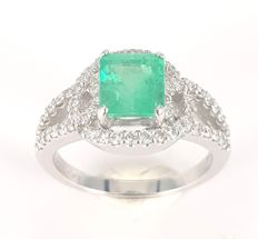 1.51 carats Emerald and 0.50 carats White Diamond Ring in 18 kt White Gold- FREE SHIPPING