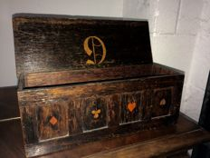 Rare wooden playing card box - England - late 19th century