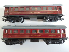 Märklin H0 - 342/343 - Sleeping carriage and dining car 'Mitropa'