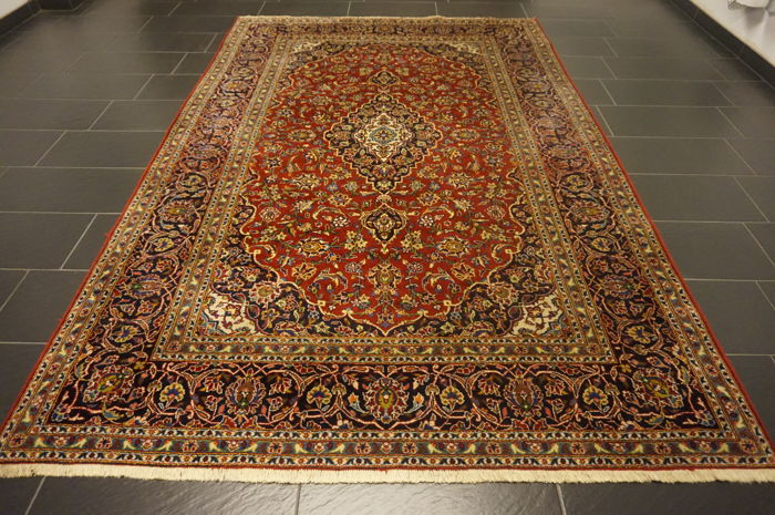 Very beautiful old Persian palace carpet, Kashan, finest cork wool, made in Iran, 200 x 310 cm