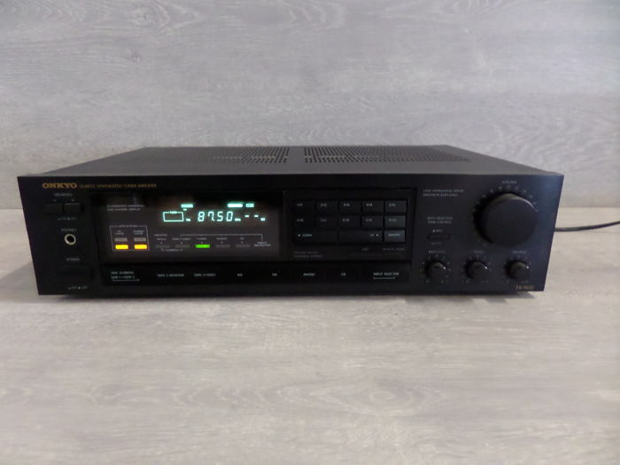 Onkyo - TX-7520 -  Quartz Synthesized Tuner Amplifier