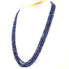 Iolite necklace with 18 kt (750/1000) gold, length 50cm.