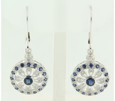 ****NO RESERVE PRICE**** 14 kt white gold dangle earrings set with brilliant cut sapphire and diamond of approx. 1.14 ct in total