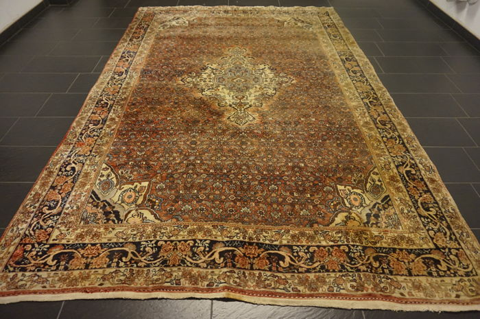Unique old Persian carpet, Bidjar, best wool, natural dyes, made in Iran, 230 x 340 cm