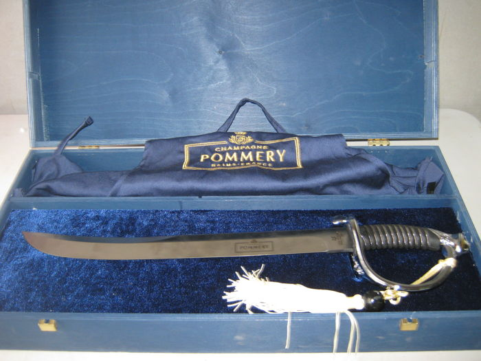 Pommery kit complete with saber and apron