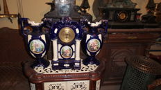 Porcelain clock with candelabres - Italy 1915