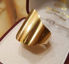 Women's large ring in 18 kt gold