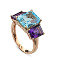 Modern amethyst/blue topaz ring totalling 9.16 ct, 750 rose gold --- No reserve price---