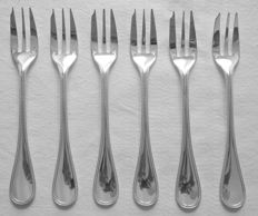 "Set of 6 silver plated oyster forks, Christofle, ""Perles"" model"
