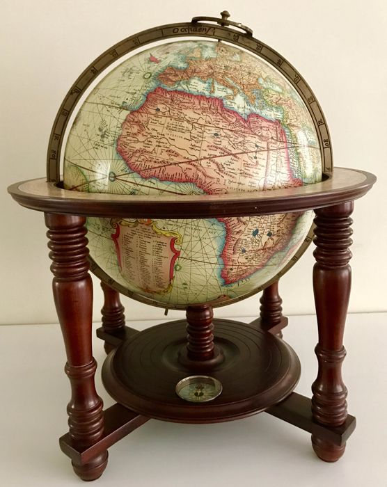 Beautiful mercator, table globe, 1970