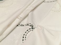 Italian manufacture. Gorgeous pure cotton tablecloth with embroidery and inlays.