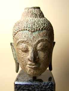 An Ayutthaya-style bronze head of Buddha - Thailand - 16th/17th century