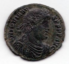 Roman Empire - AE (26 mm) of Jovianus, 363–364 A.D. with Christogram on reverse
