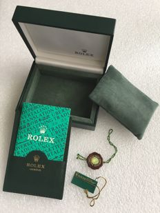 Rolex - 80's/90's original Embossed crown and velvet interior
