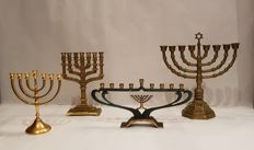Very large collection of beautifully designed Jewish candlesticks; Menorah and Hanukkah - 3 x copper and 1 x 24 carat gold-plated - Israel - previous century