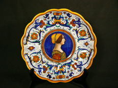 Ars Deruta - Large decorative plate decorated with a portrait